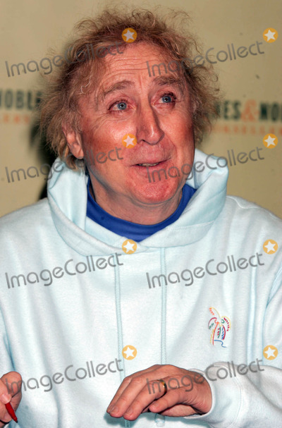 "Gene Wilder, Kiss Photo - Gene Wilder Signing Copies of His Book ""Kiss ME Like a Stranger"" at Barnes and Noble New York City 03-15-2005 Photo by Rick Mackler-rangefinders-Globe Photos"
