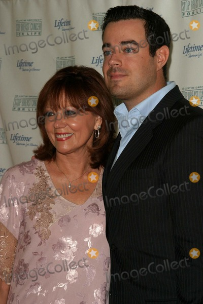 Carson Daly, Four Seasons Photo - Breast Cancer Heroes Honored at Lifetime Television Lucheon at Four Seasons Hotel in Beverly Hills, California 09/27/04 Photo by Nina Prommer/Globe Photos Inc.2004 Carson Daly and Mother Pattie Daly Carson
