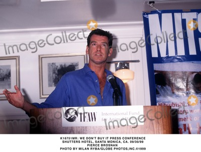 Pierce Brosnan Photo - : We Don't Buy It Press Conference Shutters Hotel, Santa Monica, CA. 09/30/99 Pierce Brosnan Photo by Milan Ryba/Globe Photos, Inc.