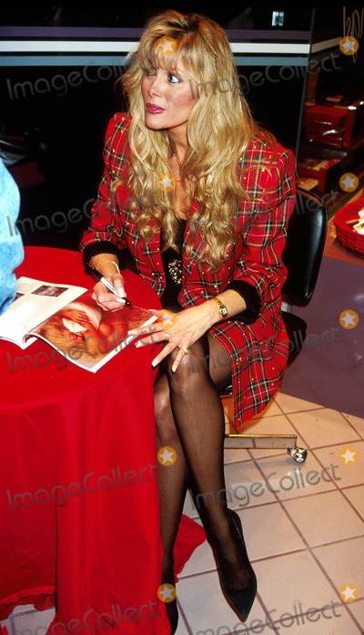 Photo - Sd11/11/91 Dian Parkinson Signing Her Playboy Photo by Adam ...