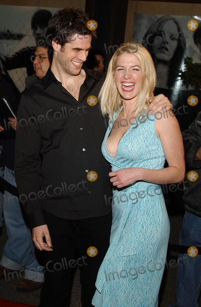 Eddie Cahill, Poppy Montgomery, RITZ CARLTON Photo - : the Wb's Winter Press Tour Ritz Carlton Huntington Hotel, Pasadena, CA 01/15/2002 Poppy Montgomery and Eddie Cahill Photo by Amy Graves/Globe Photos,inc.20