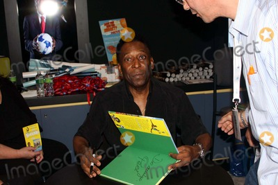 Pele Photo - Book Expo America 2010 the Javits Center, NYC 05-26-2010 Photo by Barry Talesnick-ipol-Globe Phtos, Inc. 2010 Pele