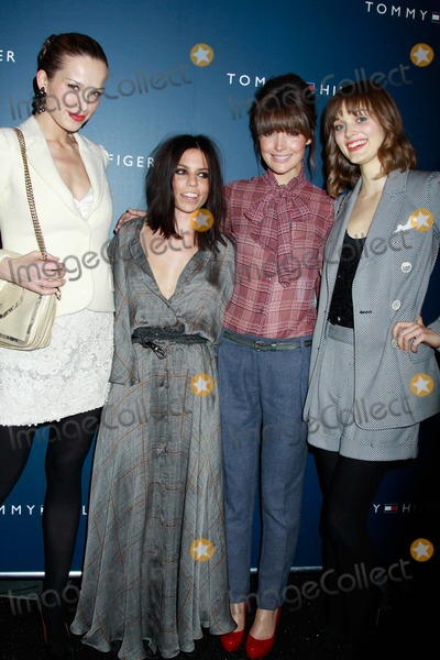 Petra Nemcova, Bella Heathcote, Rose Byrne, Tommy Hilfiger, Front Row Photo - New York Fashion Week-tommy Hilfiger Fashion Show Celebrities Backstage and Front Row Lincoln Center,nyc February 13, 2011 Photos by Sonia Moskowitz, Globe Photos Inc 2011 Petra Nemcova, Ali Hilfiger, Rose Byrne, Bella Heathcote