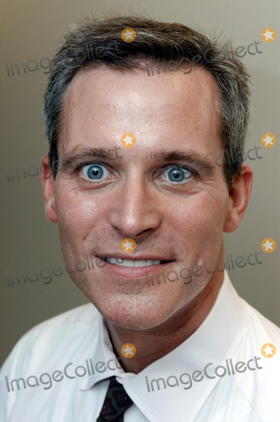 Photo - John Gross, M.D., FACS, Plastic Surgeon at Childrens Hospital Los Angeles, was a member of the medical team leading a historic, marathon surgery to separate 9-month-old conjoined twin girls at the hospital ON 9/10/03. (HO/Photo by Bob Riha,Jr./CHLA)