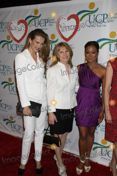 Robin Givens, Donna Hanover, Petra Nemcova Photo - Petra nemcova,donna hanover,robin givens