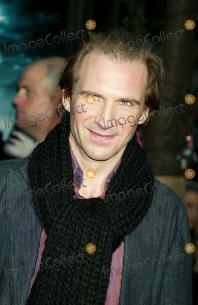 Ralph Fiennes, RALPH  FIENNES Photo - the Premiere of Harry Potter and the Goblet of Fire at the Ziegfeld Theatre New York City 11-12-2005 Photo: Sonia Moskowitz-Globe Photos Inc. 2005 Ralph Fiennes