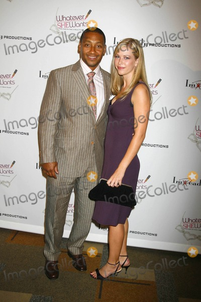 "Khalil Kain, Kaine Photo - ""Whatever She Wants"" Los Angeles Opening Night at Kodak Theatre, Hollywood , California 10-18-2007 Khalil Kain and Kelly Simms Photo: Clinton H. Wallace-photomundo-Globe Photos Inc"