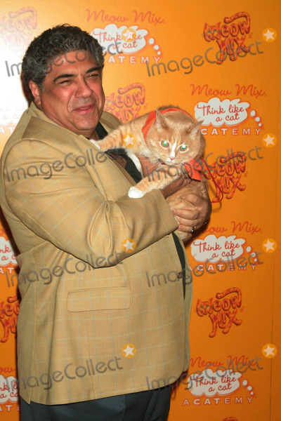 Vincent Pastore, Daryl Roth Photo - Coolest Cats in New York Attend Orange-carpet Party at the Meow Mix Acatemy Daryl Roth Theatre-new York City 08/20/2007 Photo by Mitchell Levy-rangefinder-Globe Photos, Inc. 2007 Vincent Pastore