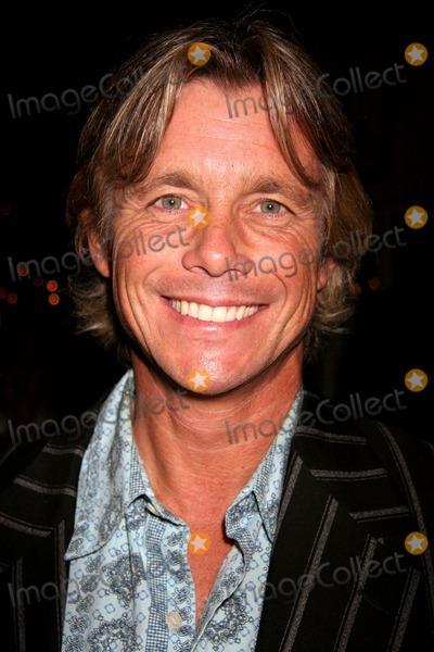 "Christopher Atkins Photo - T2 Productions ""who's Who"" Soiree Hosted by Christopher Atkins Cravings on Sunset Plaza, West Hollywood, CA 09-28-2006 Christopher Atkins Photo: Clinton H. Wallace-photomundo-Globe Photos Inc"