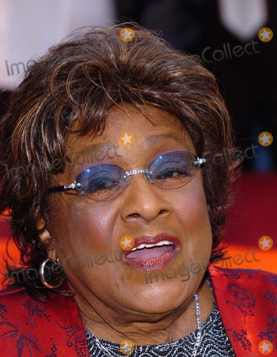Isabelle Sanford Photo - Isabel Sanford Honored with a Star on the Hollywood Walk of Fame, Hollywood, CA. 1/15/2004 Photo by Fitzroy Barrett/Globe Photos Inc.2004 Isabel Sanford