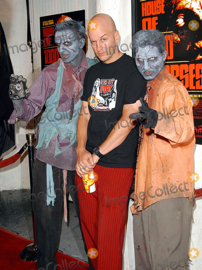 Photo - - House of 1000 Corpses - Dvd Premiere Party - Club A.d., Los Angeles, CA - 08/06/2003 - Photo by Jonathan Friolo / Globe Photos Inc. 2003- Jake Mackinnon with Party Zombies