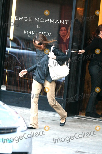 Sarah Jessica Parker, SARAH JESSICA-PARKER Photo - Sarah Jessica Parker Leaving Serge Normant at John Frieda After Getting Her Hair Cut and Styled New York City 01-09-2008 Photo by John Barrett-Globe Photos,inc