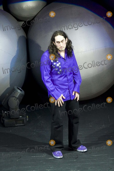 Ross Noble Photo - Ross Noble-live Concert-brixton Academy, Brixton, London, United Kingdom. Photo by Chris Aubrey-richfoto.com-Globe Photos, Inc. 11-06-