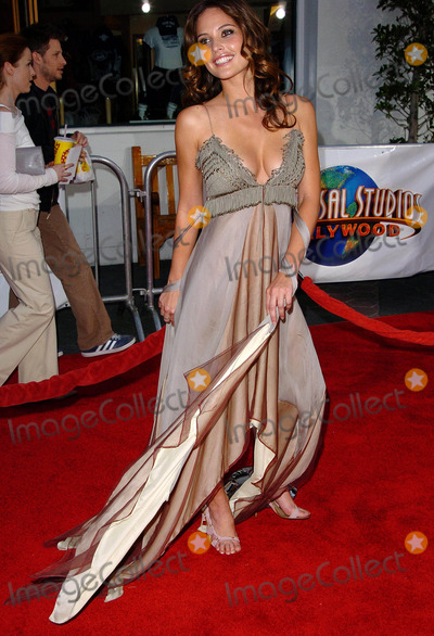 Josie Maran Photo - Van Helsing World Premiere at Universal Amphitheatre Universal Studios Hollywood 05/3/2004 Photo by Fitzroy Barrett/Globe Photos Inc.2004 Josie Maran