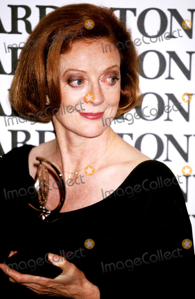 Maggie Smith Photo - Maggie Smith at the Tony Awards Photo by Adam Scull-rangefinder-Globe Photos Maggiesmithretro