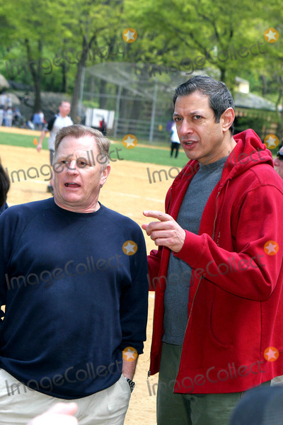 Gordon Clapp, Jeff Goldblum Photo - Opening Day For the 51st Season of the Broadway Softball League. Central Park, New York City. 05-05-2005 Photo: John Barrett-Globe Photos Inc 2005 Jeff Goldblum and Gordon Clapp