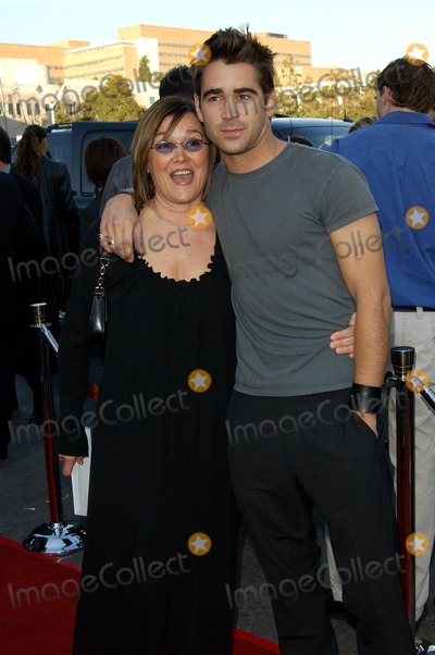 Colin Farrell Photo - . Daredevil Premiere. at Mann Village Theater. in Westwood, CA. 2/9/2003 . Photo by Fitzroy Barrett / Globe Photos Inc. 2003 Colin Farrell and Mother