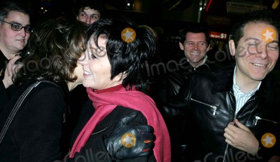 Liza Minnelli Photo - Liza Minnelli Out and About in New York City 10/28/2004 Photo By:rick Mackler/rangefinders/Globe Photos, Inc