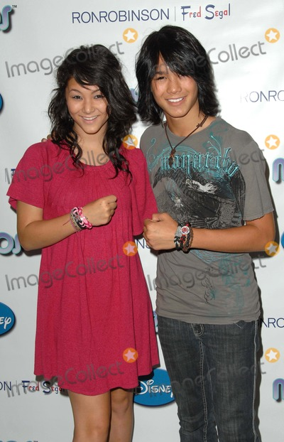 BooBoo Stewart, Fivel Stewart, Fred Segal Photo - Celebrity Launch Party For New Myzos Lines at Ron Robinson Lifesize Kids at Fred Segal in Santa Monica, CA 08-22-2009 Photo by Scott Kirkland-Globe Photos @ 2009 Fivel Stewart and Booboo Stewart