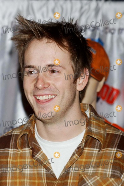 "Robert Hoffman, Amanda Bynes Photo - Amanda Bynes and Robert Hoffman Co-stars of ""she's the Man"" Contribute Their Hand Prints to Planet Hollywood's Wall of Fame While There to Promote the Film at Planet Hollywood , New York City 02-24-2006 Photo by Ken Babolcsay-ipol-Globe Photos,inc."