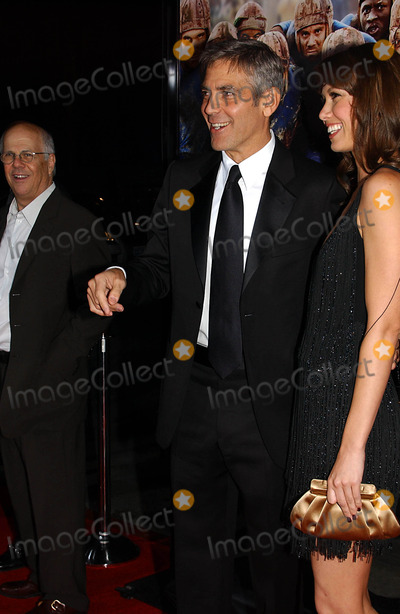 "George Clooney, Sarah Larson Photo - the Premiere of ""Leatherheads"" at Grauman's Chinese Theatre, Hollywood, CA 03-31-2008 Photo by Phil Roach-ipol-Globe Photos 2008 George Clooney Sarah Larson"