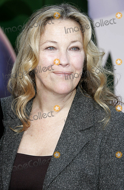 Catherine O'Hara Photo - Catherine O'hara - Chicken Little - World Premiere - El Capitan, Hollywood, California - 10-30-2005 - Photo by Nina Prommer/Globe Photos, Inc 2005