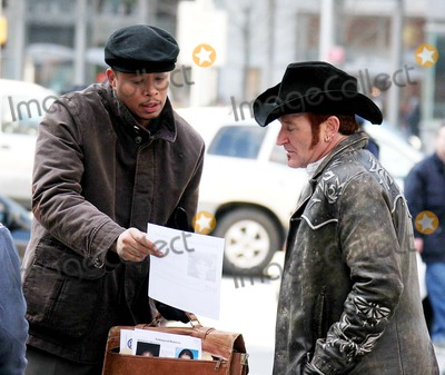 Robin Williams, Rush, Terrence Howard Photo - Film Shooting ''August Rush''' at Columbus Circle 59st + Central Park South -Date 03-22-06 Photo by John Barrett-Globe Photos,inc Robin Williams and Terrence Howard
