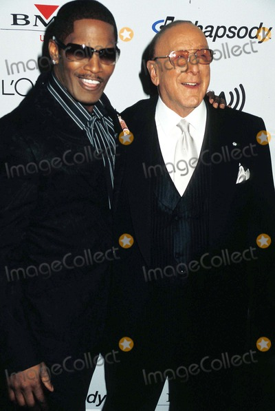 "Clive Davis, Jamie Foxx Photo - "" Clive Davis Grammy Party "" Beverly Hills , California 02-07-2006 Photo by Phil Roach-ipol-Globe Photos,inc. Clive Davis_jamie Foxx"