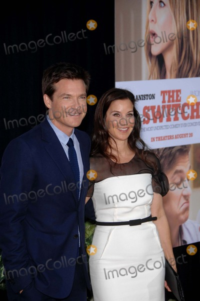 Jason Bateman, Amanda Anka Photo - Jason Bateman and Amanda Anka During the Premiere of the New Movie From Miramax Films the Switch, Held at the Hollywood Arclight Cinemas, on August 16, 2010, in Los Angeles. Photo: Michael Germana - Globe Photos, Inc. 2010