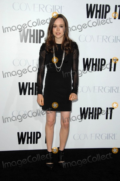 "Ellen Page Photo - Ellen Page attends the Los Angeles Premiere of ""Whip It"" Held at the Grauman's Chinese Theater in Hollywood, California on September 29, 2009 Photo by: David Longendyke-Globe Photos Inc. 2009"