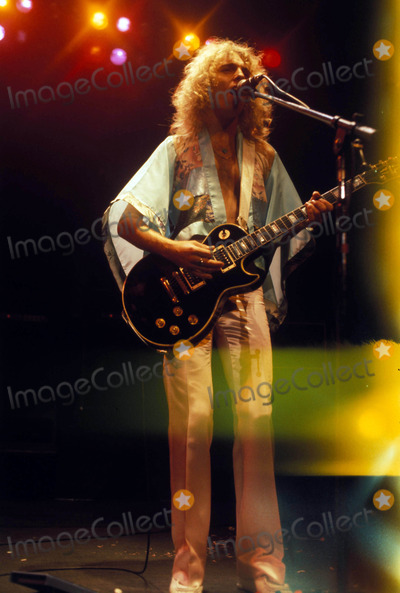 Peter Frampton Photo - Peter Frampton Photo by Globe Photos