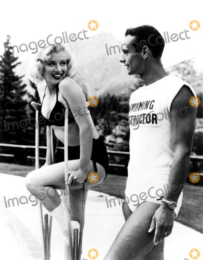 Marilyn Monroe Photo - Marilyn Monroe Supplied by Globe Photos, Inc Marilynmonroeobit