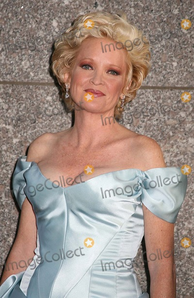 "Christine Ebersole, CHRISTINE EBERSOL Photo - 1 60th Annual Tony Awards "" Arrivals "" at Radio City Music Hall , New York City. 06-11-2006 Photo: Sonia Moskowitz / Globe Photos Inc 2006 Christine Ebersole"