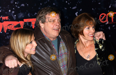 "Mark Hamill Photo - the Los Angles Premiere of ""the Spirit"" at Grauman's Chinese Theatre, Hollywood CA 12-17-2008 Photo by Phil Roach-ipol-Globe Photos Mark Hamill with Wife an Daughter"