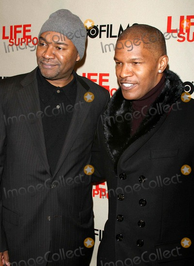 Jamie Foxx, Nelson George Photo - Opening of Hbo Movie ''Life Support'' at Chelsea Wst Theater Date 03-0-07 Photos by John Barrett-Globe Photos,inc Jamie Foxx.nelson George