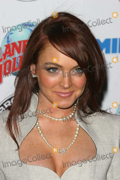 Lindsay Lohan, John B Photo - Hostage Premiere at the Ziegfeld Theatre in New York City 03-08-2005 Photo by John B. Zissel-ipol-Globe Phoos, Inc. 2005 Lindsay Lohan