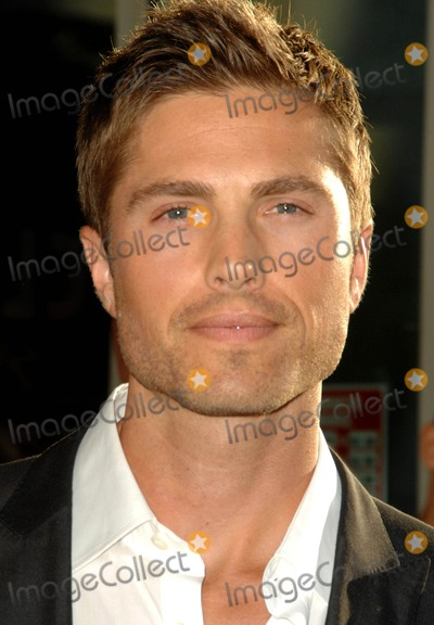 "Eric Winter Photo - Eric Winter attends the Los Angeles Premiere of "" the Ugly Truth"" Held at the Pacific's Cinerama Dome in Hollywood, California on July 16, 2009 Photo by: David Longendyke-Globe Photos Inc. 2009"
