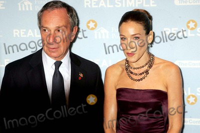 Mayor Michael Bloomberg, Michael Bloomberg, Sarah Jessica Parker, SARAH JESSICA-PARKER Photo - 'Get Organized New York' Auction to Benefit the New York City Public Schools. Jazz at Lincoln Center, New York City. 10/8/2004 Photo: Rick Mackler / Rangefinders / Globe Photos Inc 2004 Mayor Michael Bloomberg and Sarah Jessica Parker
