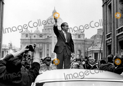 Richard Nixon Photo - Richard Nixon 1972 Photo by Giacomino Anfuso-ipol-Globe Photos, Inc.
