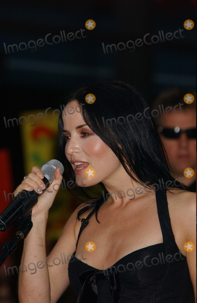 The Corrs Photo - the Coors Perform on Nbc's Today Show Summer Concert Series at Rick Efeller Center in New York City 07/23/2004 Photo: Ken Babolcsay/ Ipol/ Globe Photos Inc. 2004 the Corrs