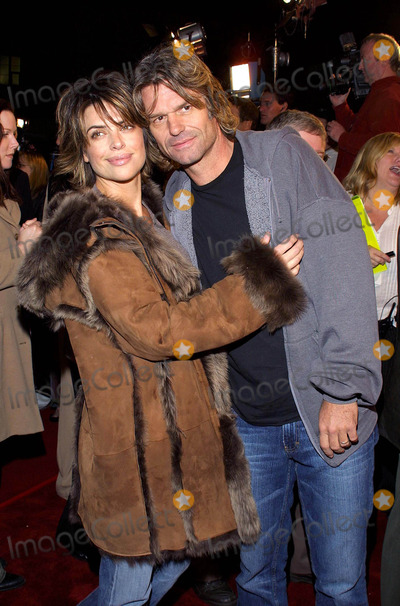 Harry Hamlin, Lisa Rinna Photo - Lisa Rinna and Harry Hamlin K27308tr World Premiere Adaptation Mann Village, Los Angeles, CA December 3, 2002 Photo by Tom Rodriguez/Globe Photos Inc.