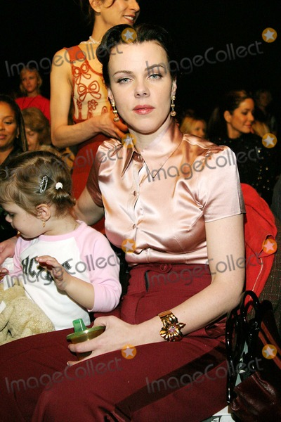 "Debi Mazar, Louis Verdad Photo - Mercedes-benz Fall 2005 Fashion Week: "" Louis Verdad "" Collection (Celeb) at Smashbox Studios in Culver City , CA 3-20-2005 Photo By:jaimie Rodriguez-Globe Photos, Inc 2005 Debi Mazar and Daughter Evelyn"