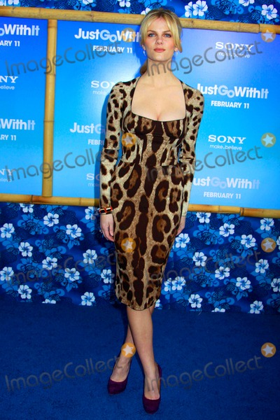 "Brooklyn Decker Photo - Columbia Pictures Presents a Special Screening of ""Just Go with It"" the Ziegfeld Theater, NYC February 8, 2011 Photos by Sonia Moskowitz, Globe Photos Inc 2011 Brooklyn Decker"