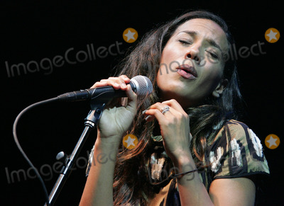 Amanda Sudano Photo - MIAMI BEACH, FL 