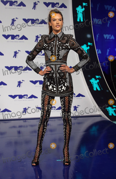 Alessandra Ambrosio Photo - 27 August 2017 - Los Angeles, California - Alessandra Ambrosio. 2017 MTV Video Music Awards held at The Forum. Photo Credit: F. Sadou/AdMedia