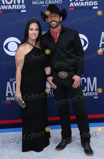 Aaron Watson Photo - 07 April 2019 - Las Vegas, NV - Kim Watson, Aaron Watson. 54th Annual ACM Awards Arrivals at MGM Grand Garden Arena. Photo Credit: MJT/AdMedia