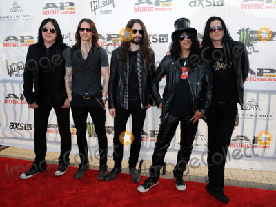 Kennedy, Myles Kennedy, Slash, THE ROCK Photo - 21 July 2014 - Cleveland, OH - Guitarist SLASH and MYLES KENNEDY AND THE CONSPIRATORS attend the 1st Annual 2014 Gibson Brands AP Music Awards at the Rock and Roll Hall of Fame and Museum   Photo Credit: Jason L Nelson/AdMedia