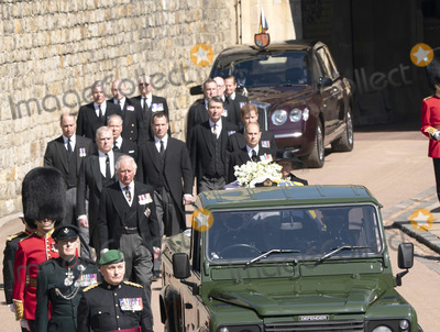 Charles, Prince of Wales, David Armstrong, David Linley, Jaguares, Lord David Linley, Peter Phillips, Prince, Prince Andrew, Prince Charles, Prince Edward, Prince Edward, Earl of Wessex, Prince Edwards, Prince Harry, Prince of Wales, Prince Philip Duke of Edinburgh, Prince William, Princess Anne, Timothy Laurence, Wale, PRINCE PHILIP, Princess Royal, The Ceremonies Photo - Photo Must Be Credited Alpha Press 073074 17/04/2021Princess Anne, Princess Royal, Prince Charles, Prince of Wales, Prince Andrew, Duke of York, Prince Edward, Earl of Wessex, Prince William, Duke of Cambridge, Peter Phillips, Prince Harry, Duke of Sussex, Earl of Snowdon Viscount Lord David Linley David Armstrong-Jones and Vice-Admiral Sir Timothy Laurence follow Prince Philip, Duke of Edinburgh's coffin on a modified Jaguar Land Rover during the Ceremonial Procession during the funeral of Prince Philip Duke of Edinburgh at St George's Chapel in Windsor Castle in Windsor, Berkshire.*** No UK Rights Until 28 Days from Picture Shot Date ***/AdMedia