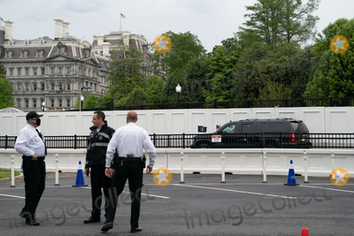 Jill Biden, Joe Biden, White House, The White Photo - The motorcade carrying U.S. President Joe Biden and First Lady Jill Biden drives towards the Ellipse of the White House in Washington, D.C., U.S., on Monday, May 3, 2021. Biden's $4 trillion vision of remaking the federal government's role in the U.S. economy is now in the hands of Congress, where both parties see a higher chance of at least some compromise than for the administrations pandemic-relief bill. Credit: Erin Scott / Pool via CNP/AdMedia