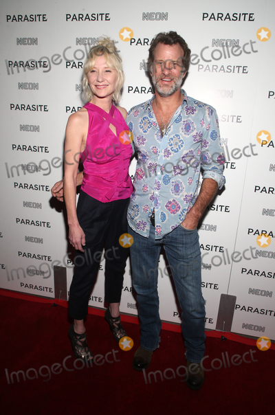 """Ann Heche, Anne Heche, Thomas Jane Photo - 2 October 2019 - Hollywood, California - Anne Heche, Thomas Jane. Neon Presents Los Angeles Premiere Of """"Parasite"""" held at ArcLight Hollywood. Photo Credit: FSadou/AdMedia"""